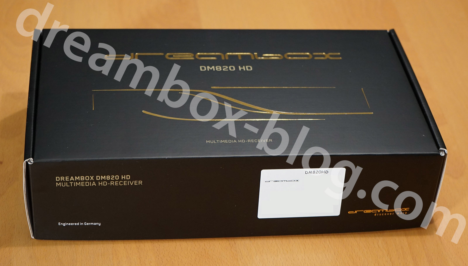 dm820_box
